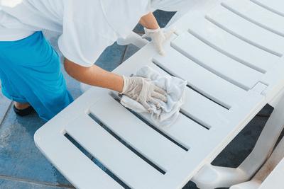 Bain de soleil plastique propre