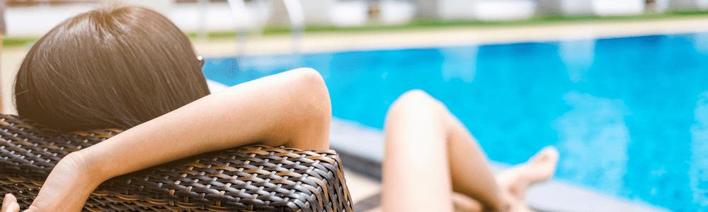 Transat de piscine résine tressée